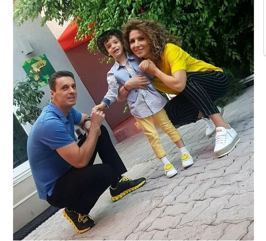 """Mircea Badea nu își trimite la școală copilul anul acesta: """"Scapă cine poate!"""""""