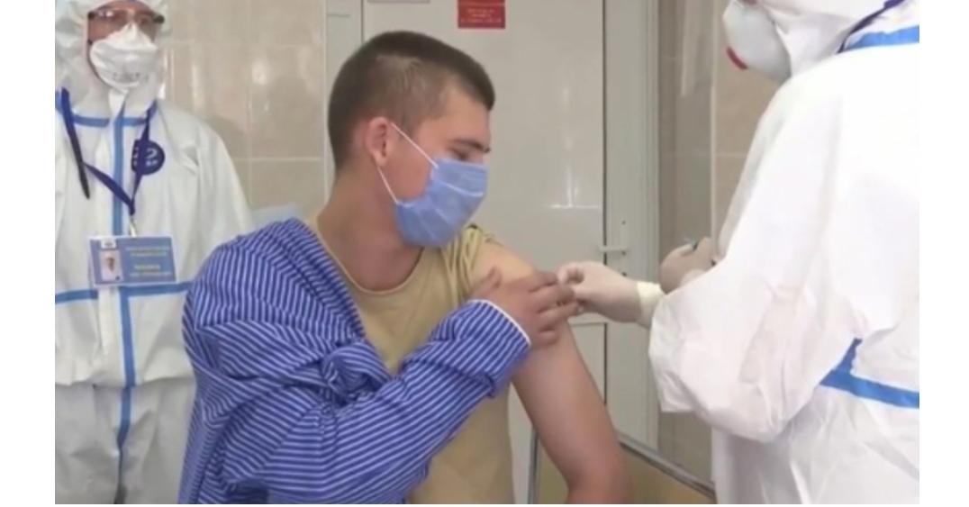 Ce a pățit un britanic la 14 ore după ce a primit vaccinul anti-Covid de la Oxford