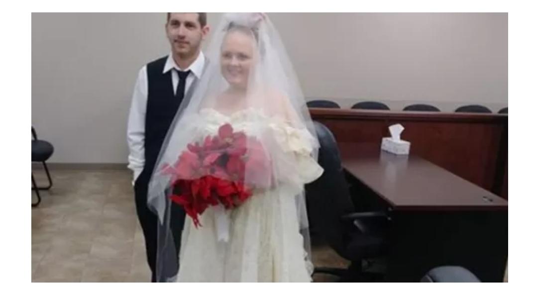 Un cuplu de tineri a murit la cateva minute dupa casatorie. Mama mirelui a asistat la accident
